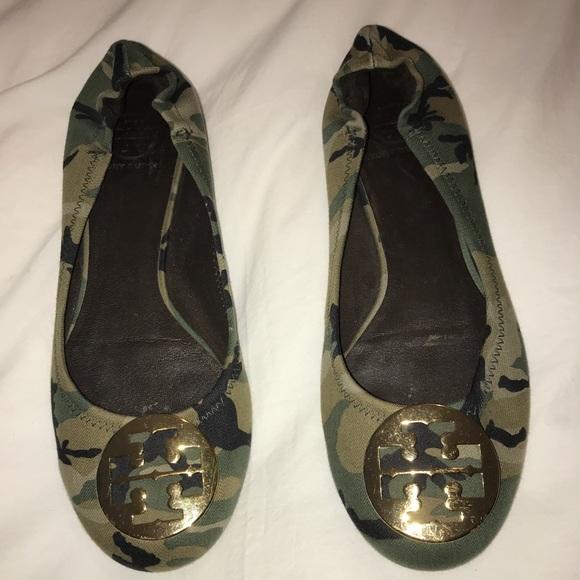 846d9fed4b4c Tory Burch Reva camouflage ballet flats. M 5b8dce4181bbc863ee5f7162